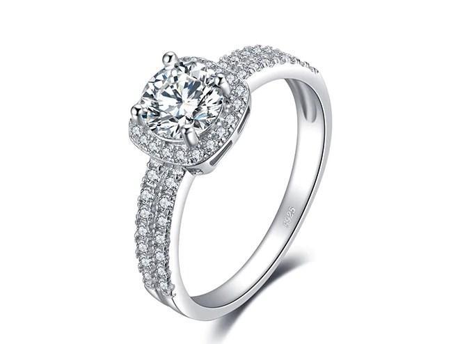 Серебряное кольцо, Кристалл, с камнем белый куб. цирконий, размер 16