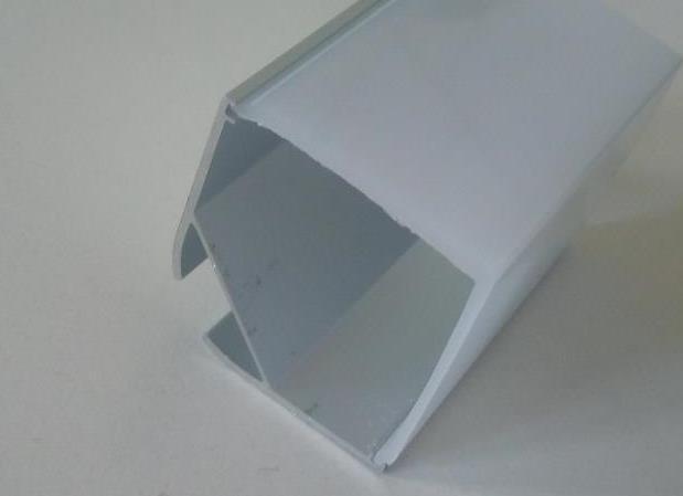 Кутовий алюмінієвий профіль разом з розсіювачем 2м для LED стрічки АЛ-05-1