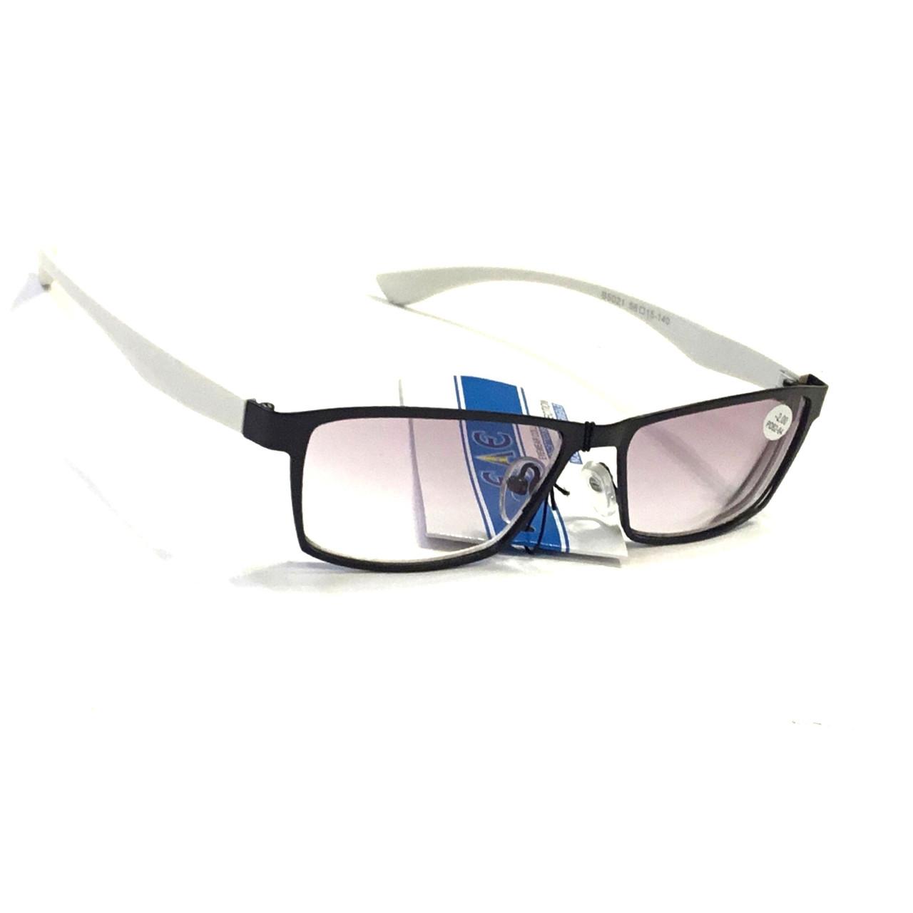Очки для зрения в металлической оправе