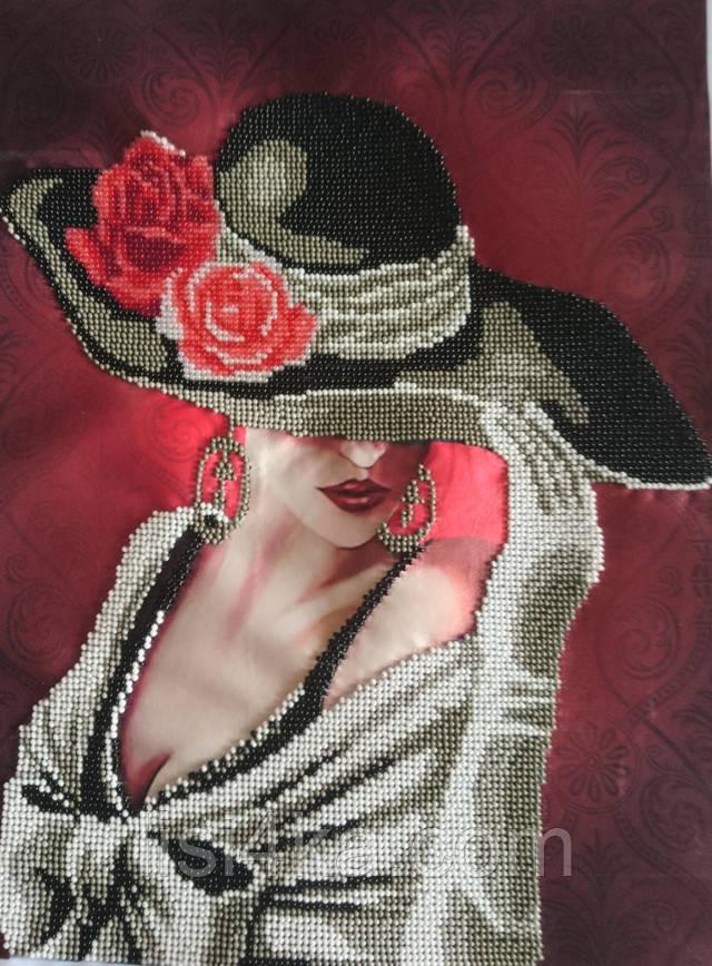 вышитая картина для интерьера с дамой в парижском стиле