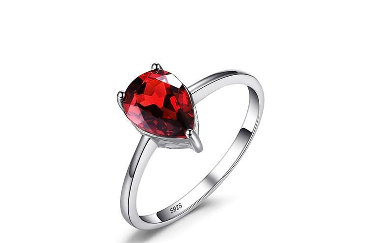 Серебряное кольцо, Капля, с камнем красный куб. цирконий и 19 размер