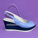 """Босоножки женские голубые кожаные на устойчивой синей платформе от производителя ТМ """"Maestro"""", фото 2"""