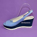 """Босоножки женские голубые кожаные на устойчивой синей платформе от производителя ТМ """"Maestro"""", фото 3"""