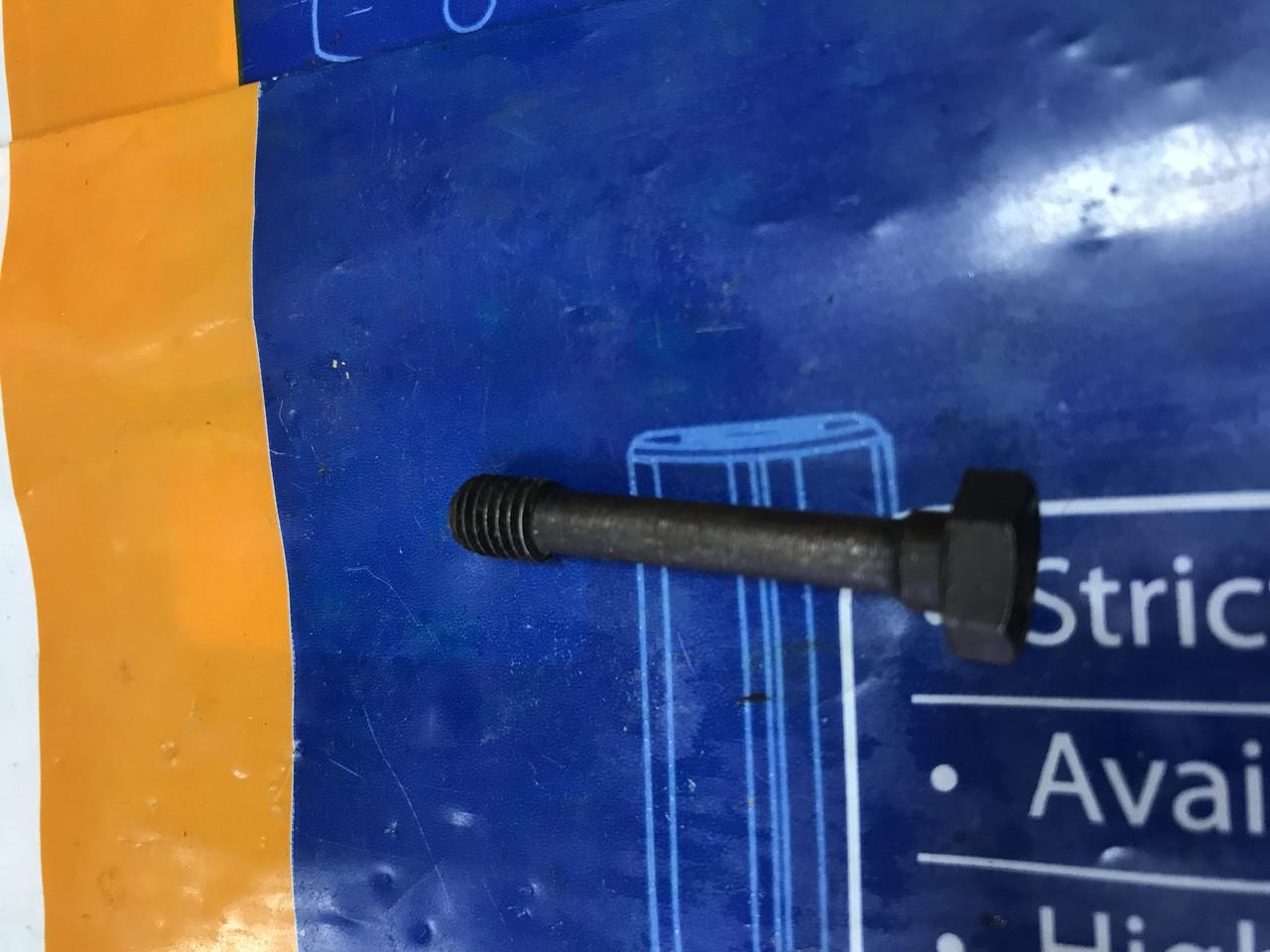 Болт клапанной крышки на Эталон ТАТА