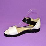 Кожаные босоножки белого цвета на утолщенной подошве, фото 3