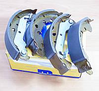 Колодки тормозные барабанные Форд Фиеста (1.2/1.4/1.6L)  (Италия) Metelli 530136 НОВЫЕ