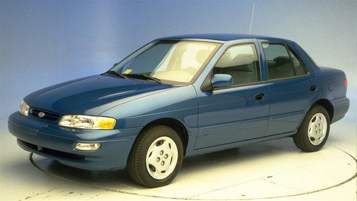 Лобовое стекло KIA Sephia/Mentor (1993-1998), фото 1