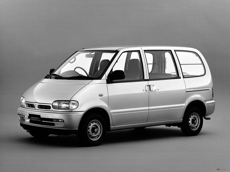 Лобовое стекло Nissan Vanette S21/Cargo/Serena (1994-2008), фото 1
