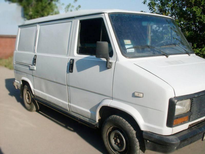 Лобовое стекло Peugeot J5 (1981-1994), фото 1