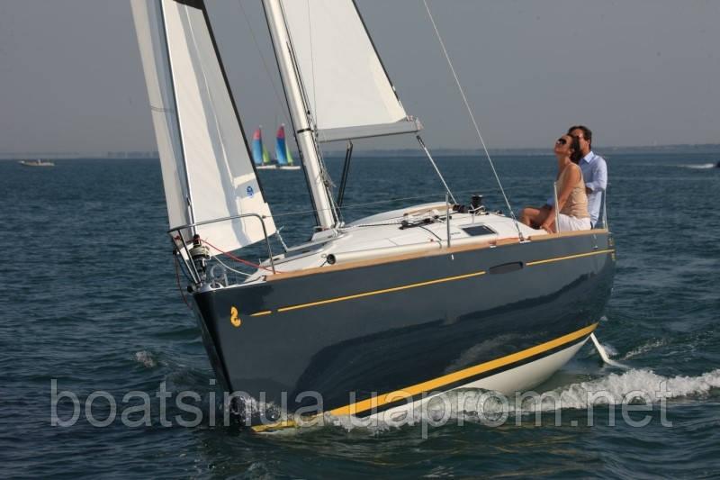 Парусная яхта First 25