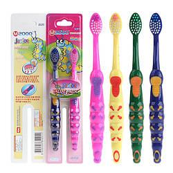 Набір дитячих зубних щіток Jinior Bug (2шт в уп)