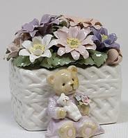 Фарфоровая музыкальная статуэтка Медвежонок с цветами Pavone CMS-15/61