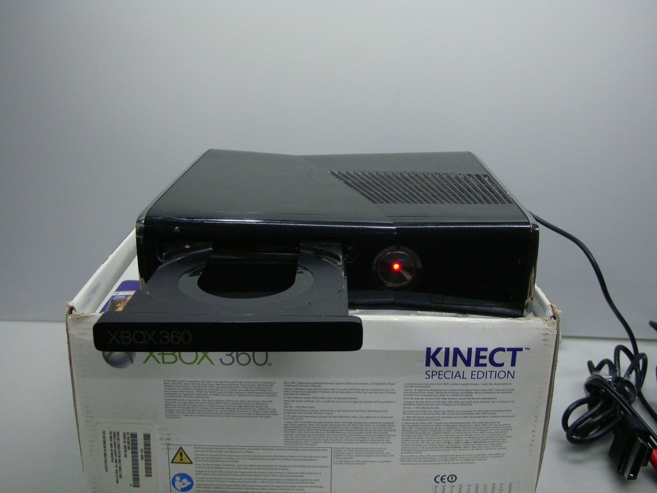 Игровая приставка Xbox 360 (1439) на запчасти. Включается нет изображения