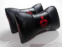 Автомобильная  подушка на подголовник  Mitsubishi черная
