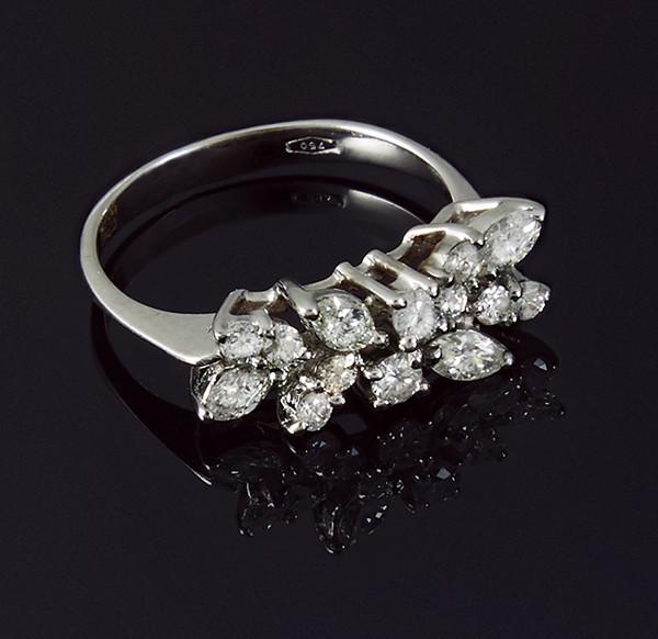 Жіноче кільце з білого золота з діамантами С37Л1№27