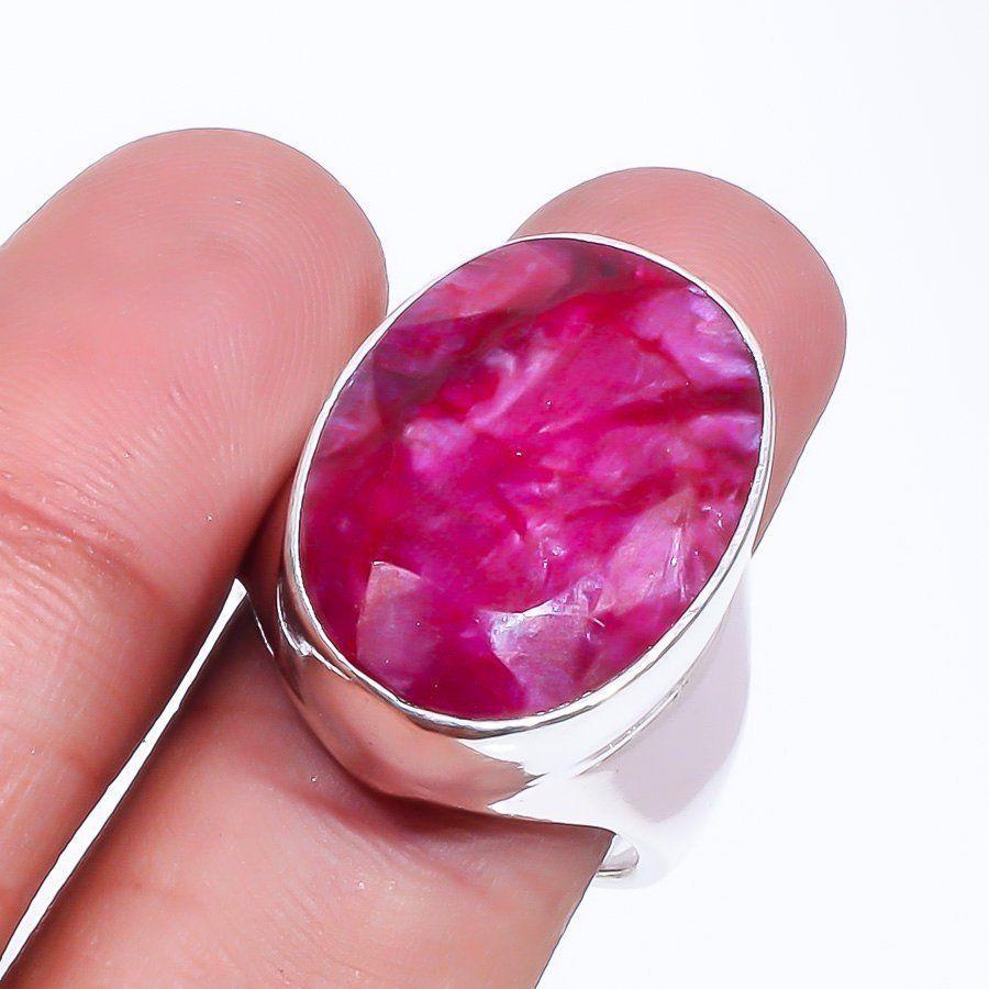 Рубин красивое овальное кольцо с камнем рубин размер 18. Кольцо с рубином. Индия!