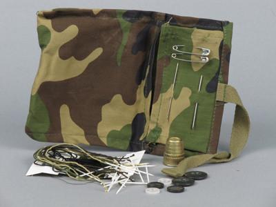 Набор швейных пренадлежностей DPM  Голландия  оригинал  Б/У 1 сорт