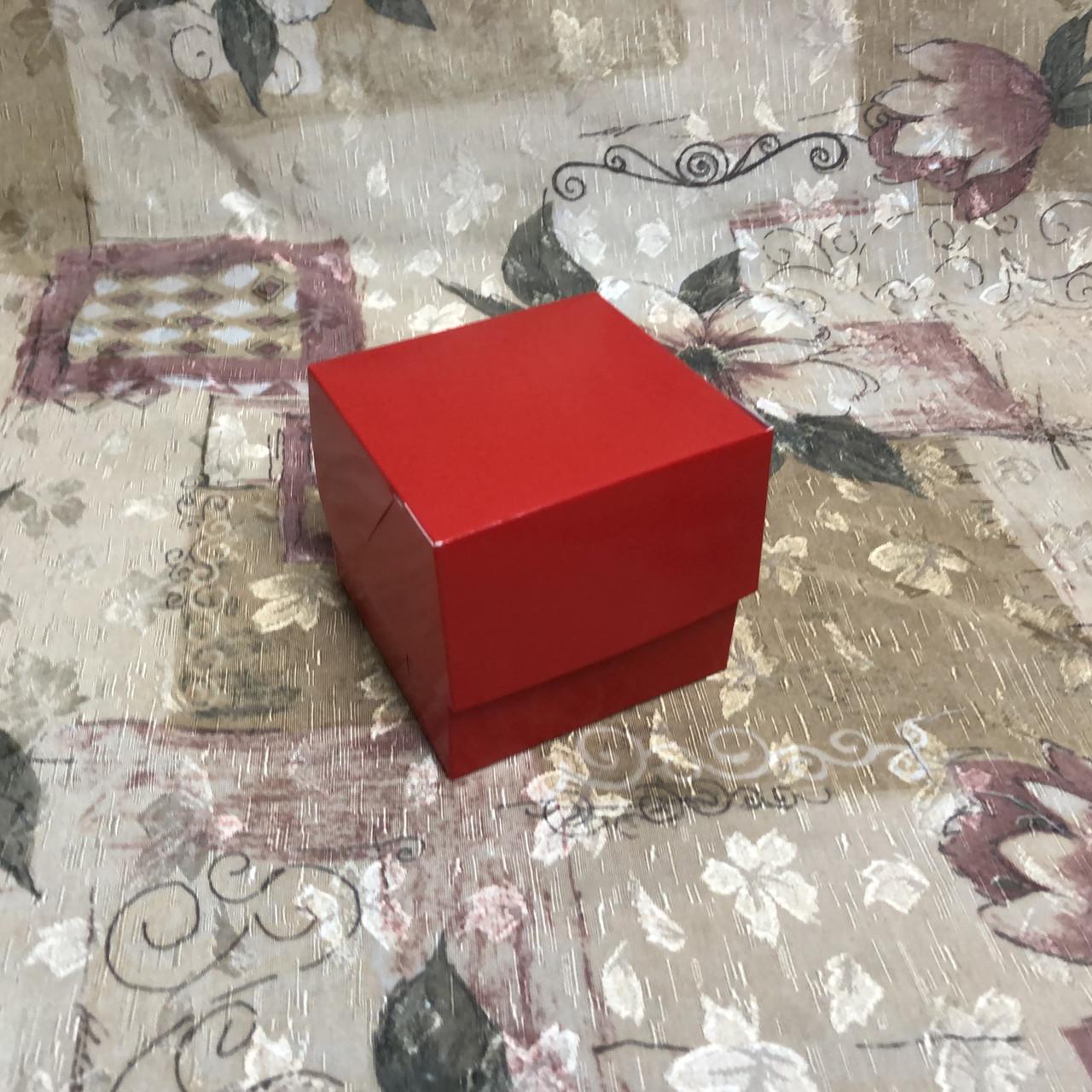 Коробка для 1-ого кекса / 100х100х90 мм / печать-Красн / б.о. / лк