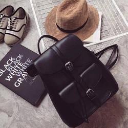 Рюкзак женский стильный с карманами черный.