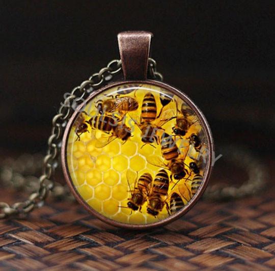 Кулон на шию Бджіл на стільниках