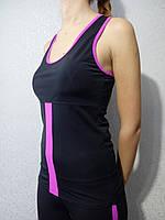 Майка женская спортивная с вкладышами пуш-ап черно-сиреневая