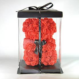 Мишка из роз в подарочной упаковке 23 см красный
