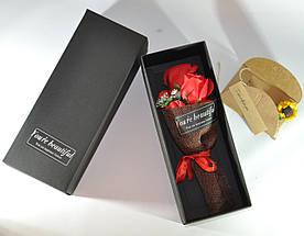 Подарунковий букет червоних троянд ручної роботи з мила