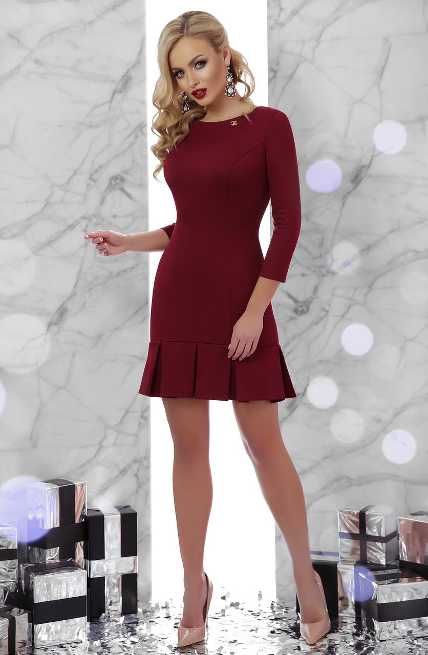 Классическое бордовое платье выше колена 42 44 46 48
