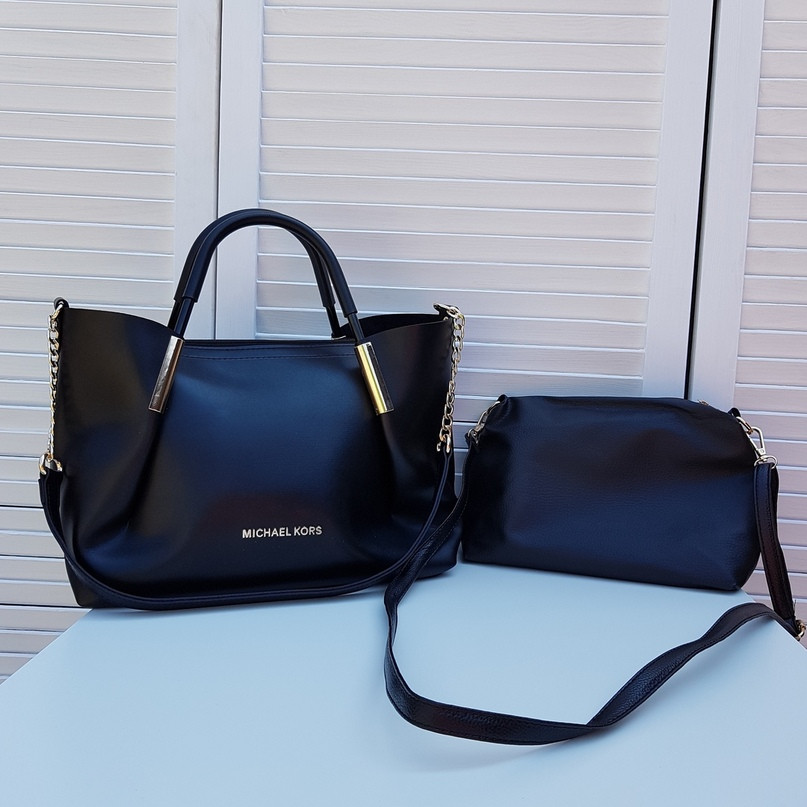 Женская стильная сумка реплика Майкл Корс черный с косметичкой -