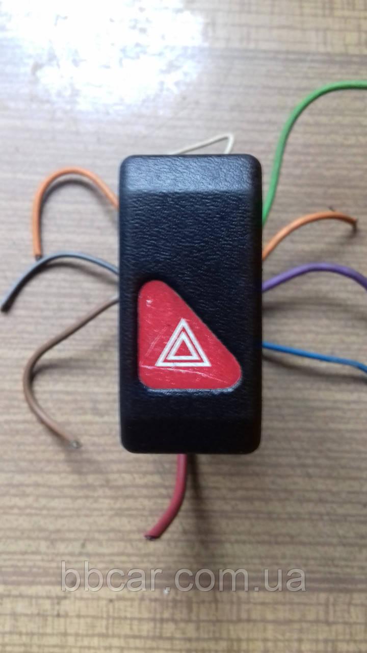 Кнопка аварийного сигнала сигналу Renault
