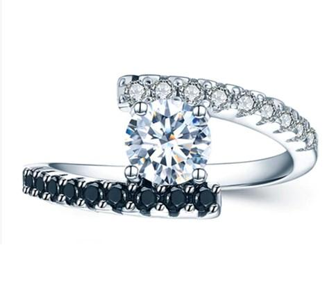 Серебряное кольцо со шпинелем