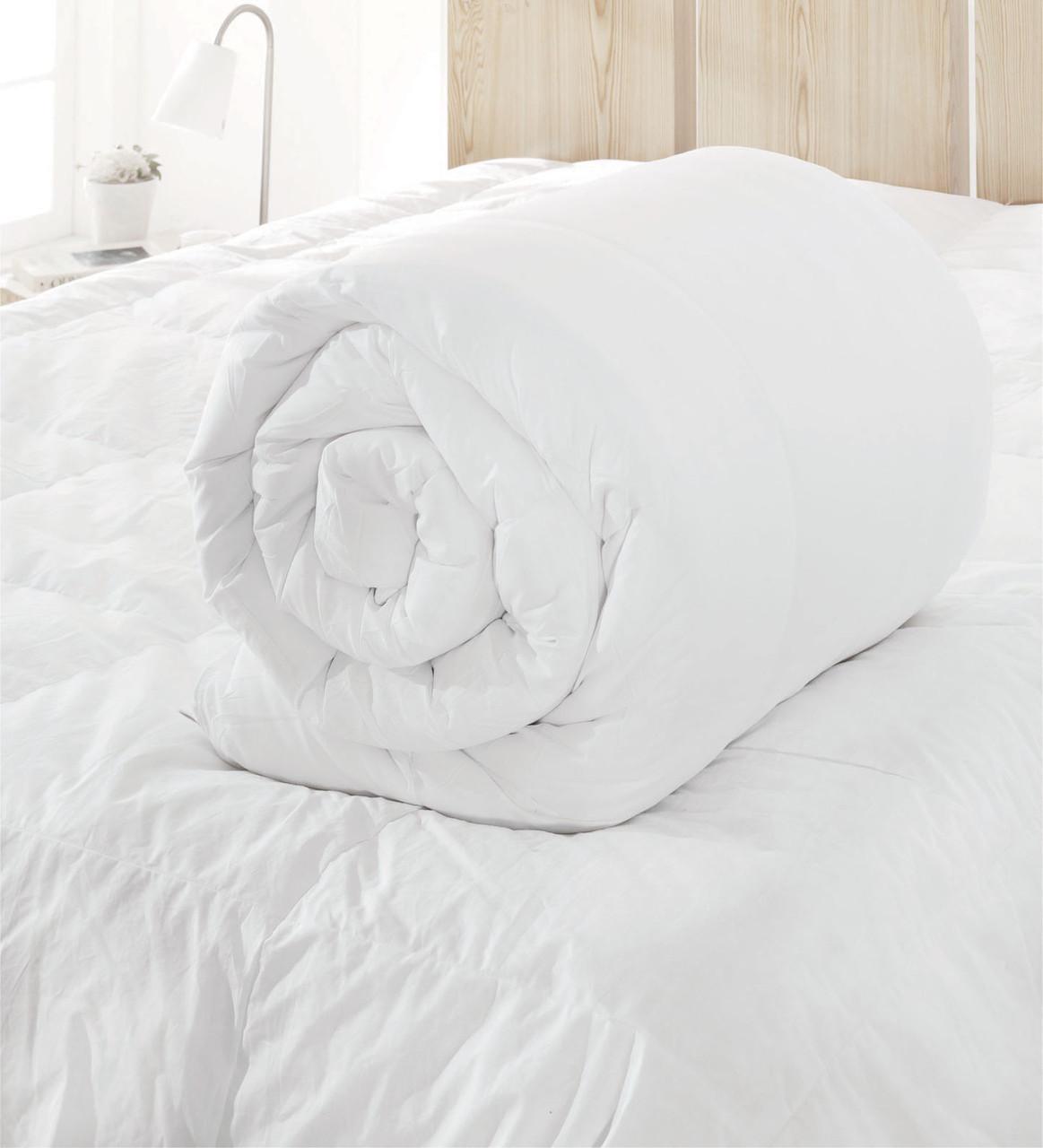 Зимнее стеганое одеяло Белое