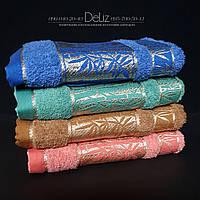 Махровое полотенце для рук и лица 693 с золотистой вышивкой. Размер 100х45. 100% хлопок