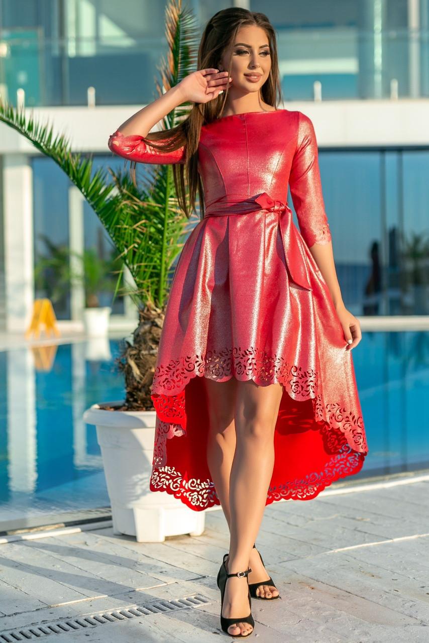 463abe6cc55 Блестящее платье с перфорацией и поясом. Красное