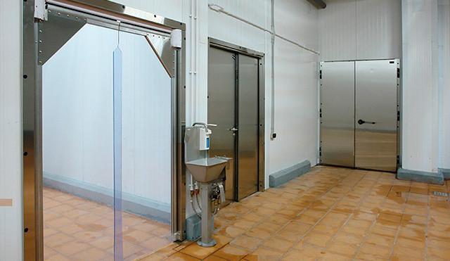 Промышленные двери