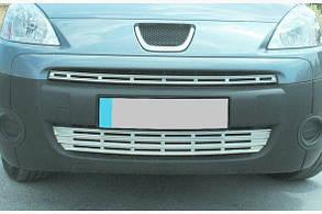 Накладки на решітку радіатора Peugeot Partner Tepee (2008-2012) 2 частини