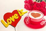 Топпер Love Is, Love Is на палочке, цветные топпера из пластика на день влюбленных,Любовь это..., фото 2
