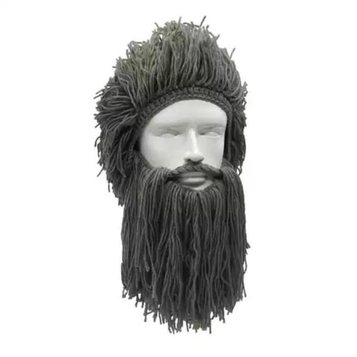 Зимняя шапка викинга с дредами и длинной бородой