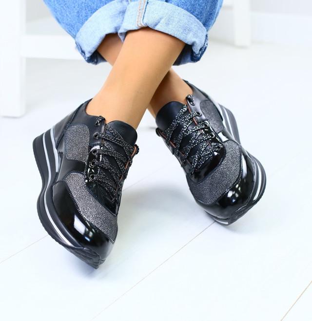a8f6bf2156ec Модные кожаные женские кроссовки кеды криперы черные на высокой подошве на  ...