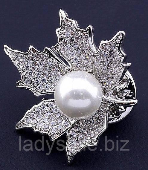 Серебристый листик с  жемчужиной от студии LadyStyle.Biz