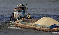 Доставка песка на подсыпку баржей