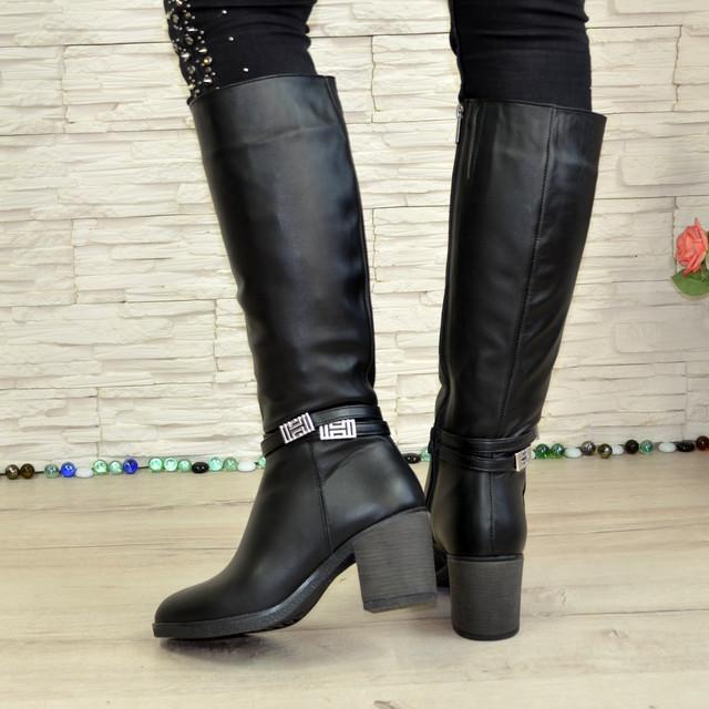cb2e9a942 Сапоги зимние черные кожаные женские на устойчивом каблуке. В ...