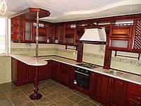 Кухня з масиву дуба з барстійкою