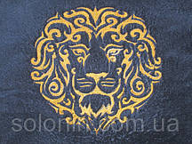 Лев на халате.
