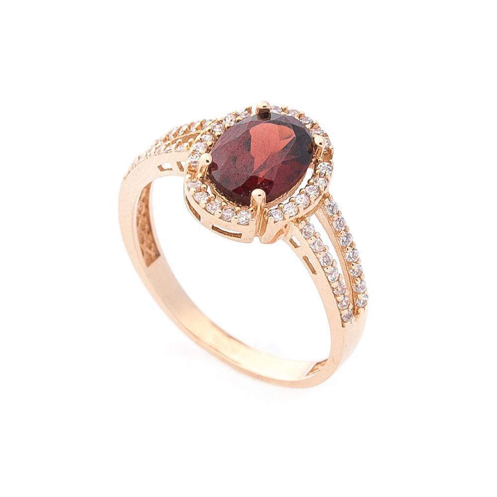 Золотое кольцо с пиропом (гранатом) и фианитами гк04644