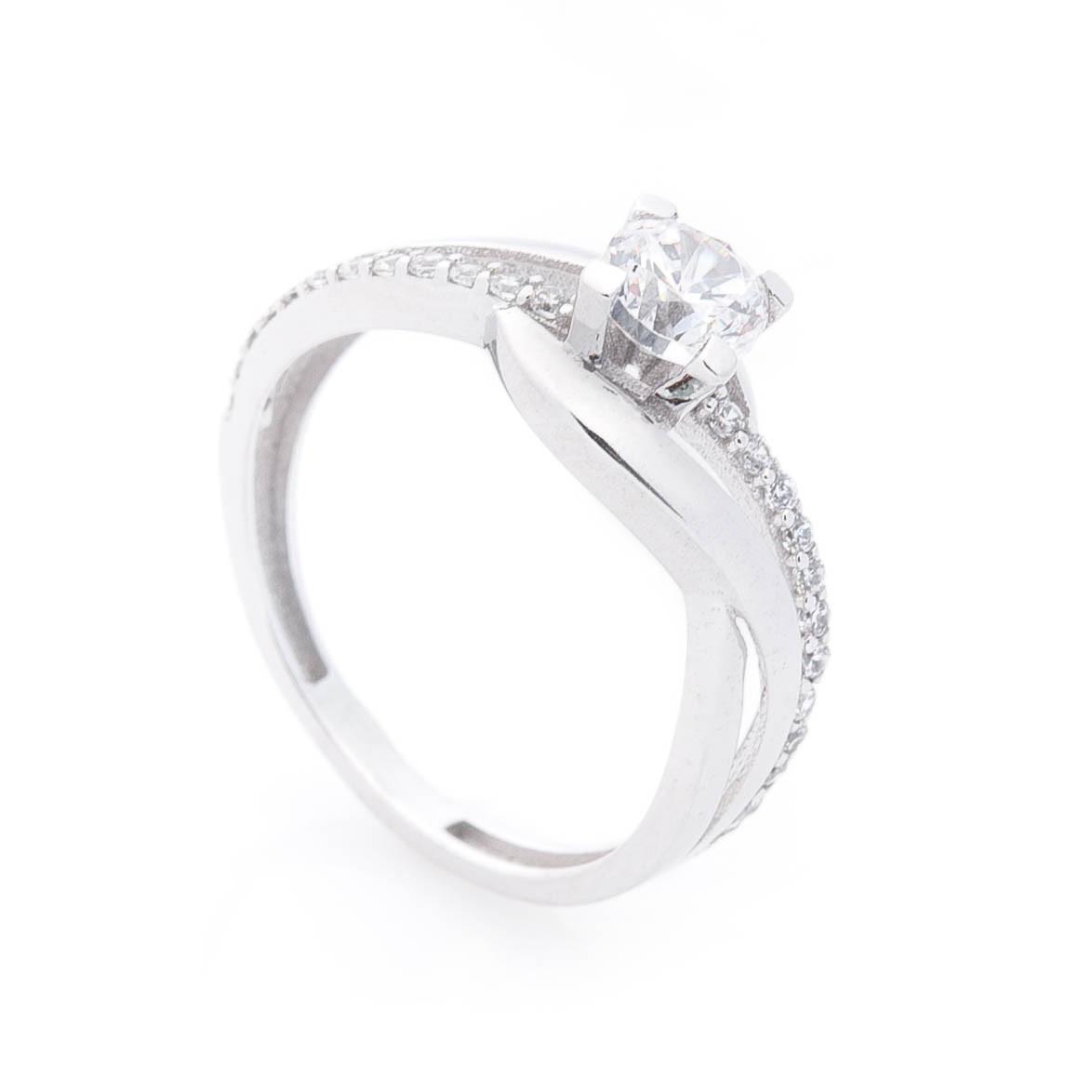 Золотое помолвочное кольцо с фианитами гк05788