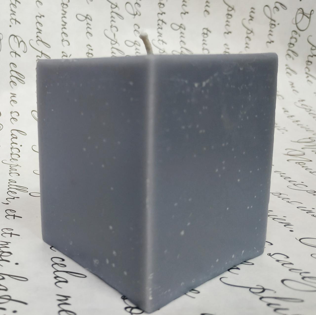СВЕЧА куб серая 6см*6см.Высота 7см
