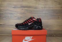 Женские демисезонные кроссовки Nike TN Plus черные с красным топ реплика, фото 3