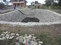 Укрепление берега геотекстилем и габионными матрасами