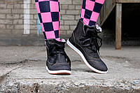 Темные женские кеды на шнурках